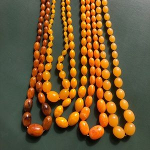 🧡💛Vintage Lucite Necklaces🧡💛